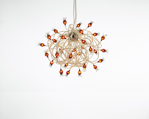 Serien Lighting Poppy Suspension arms beige, shades ruby red