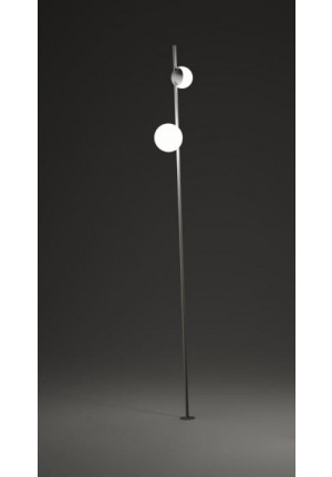 Vibia June 4775 with ground spike